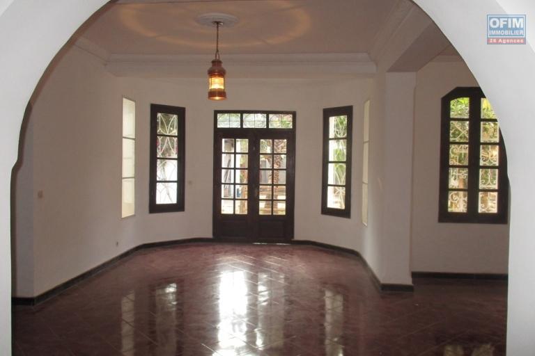 OFIM propose en location une villa F5 à Ambohibe Ilafy à 10 mn du lycée Français