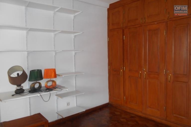 A louer une villa à étage F4 à Androhibe Antananarivo