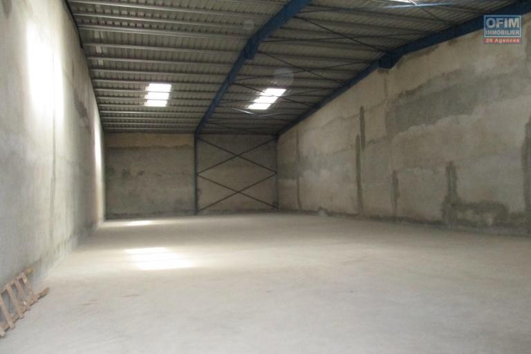 OFIM propose en location 8 entrepôts de 400M2 à Anosizato