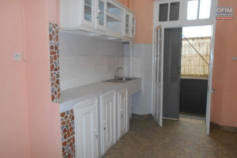 A louer un grand appartement à usage bureau à Isoraka Antananarivo