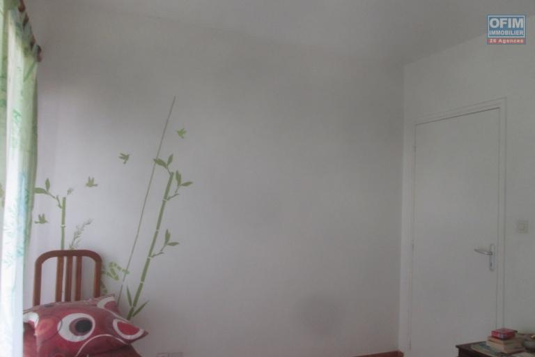 A vendre, bel appartement T3 de 70 m2 environ dans une résidence sécuridé à Fort Voyron Antananarivo
