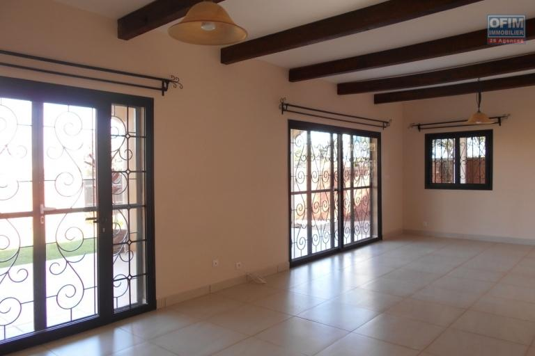 Une villa à étage F5 à Ambohijanahary Antehiroka
