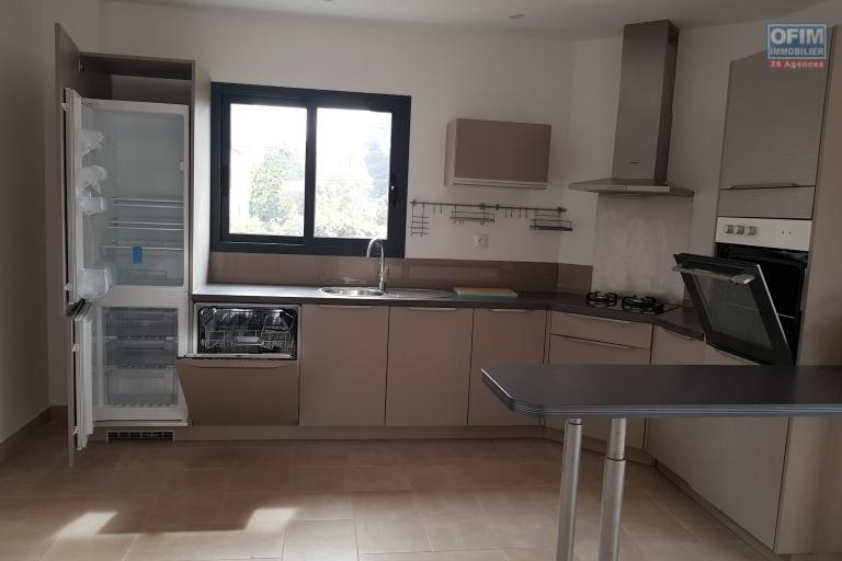 A louer un appartement neuf T4 à Ivandry Antananarivo