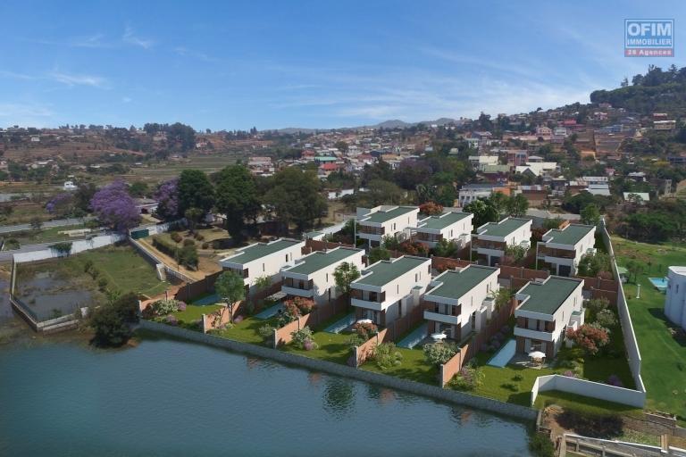 En Exclisuivité OFIM à  vendre villa neuve F4 avec piscine au  bord du lac Andranotapahana