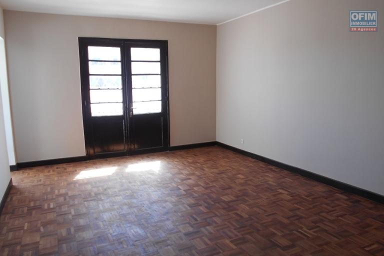 A louer un appartement T4 à Ankorondrano Antananarivo