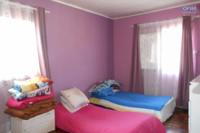 A louer une villa F4 semi meublée à Alasora Antananarivo