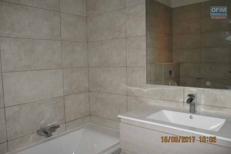 OFIM propose en location un bel appartement T2 meublé  avec piscine intérieure à Ivandry