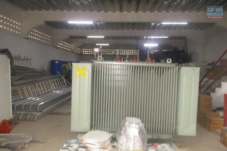 OFIM propose à la location 5 entrepôts neufs de 600m2 chacun à Anosizato