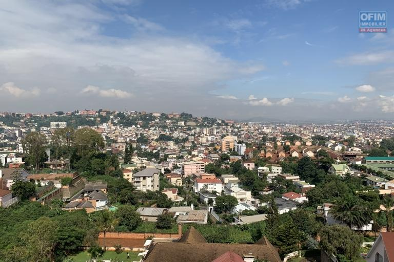 OFIM offre en location un appartement neuf T4 en duplex pres Mausolé Panorama - vue splendide