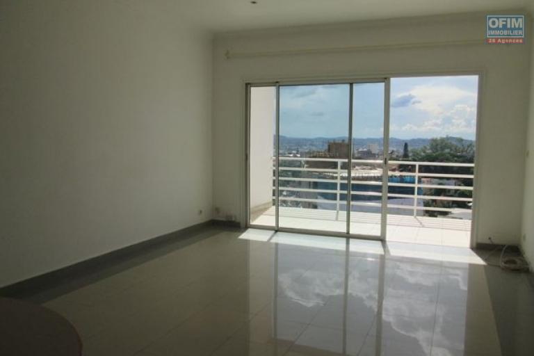 Appartement T3 avec vue à Ambatonakanga