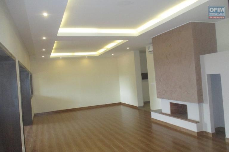 Des grands appartements T5 neufs à Androhibe