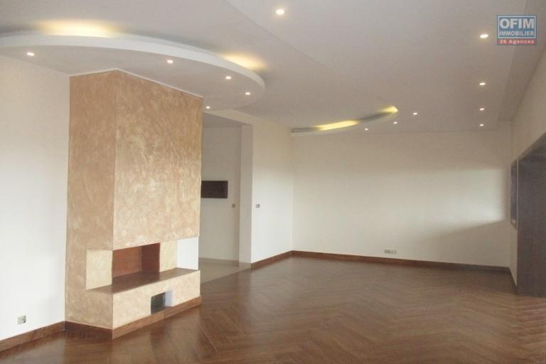Des grands appartements T5 neufs  dans une résidence à Androhibe