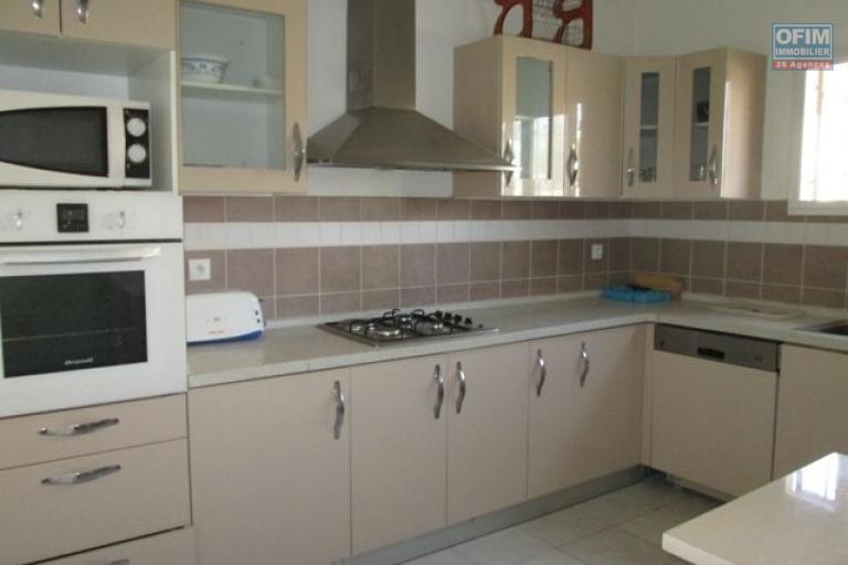 Appartement T5  meublé en duplex dans une résidence bien sécurisée à Androhibe
