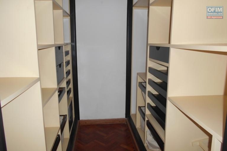 Grand appartement T4 sécurisé 0 Tanjombato