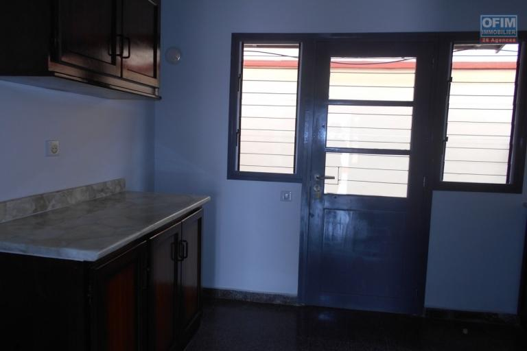 Appartement en duplex T3 neuf à Tanjombato