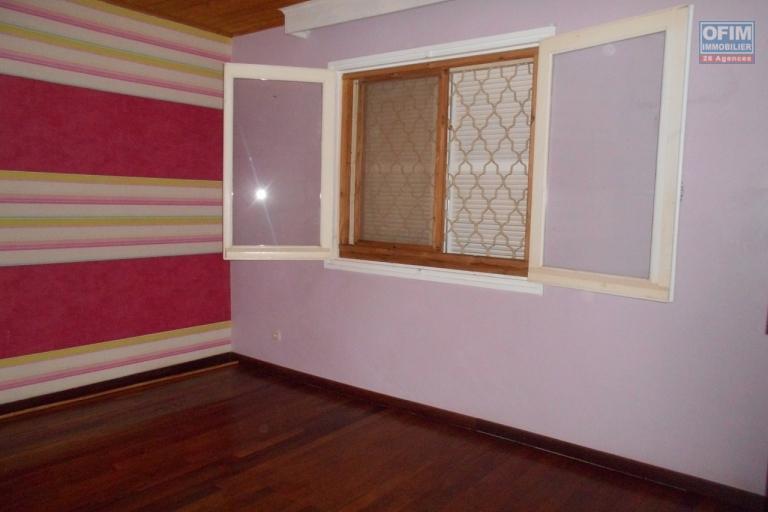 Villa F4 dans une résidence sécurisée à Tanjombato