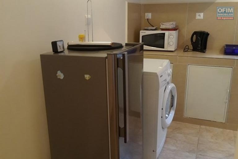 OFIM met en location un appartement T3 meublé dans une résidence sécurisée 24/24 - cuisine