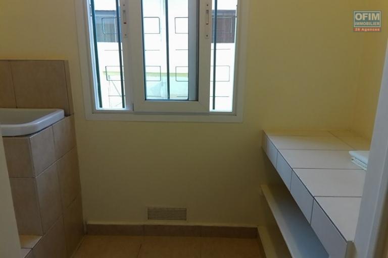 OFIM met en location un appartement T3 meublé dans une résidence sécurisée 24/24 - Buanderie