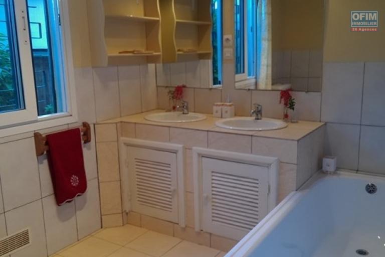 OFIM met en location un appartement T3 meublé dans une résidence sécurisée 24/24 - SDB 2