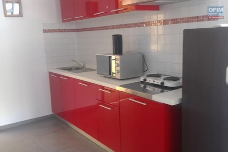 OFIM met en location appartement T3 meublé en centre ville à Mahamasina sécurisé 24h/24 - cuisine équipée