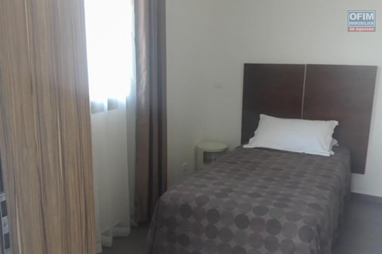 OFIM met en location appartement T3 meublé en centre ville à Mahamasina sécurisé 24h/24 - Chambre 2