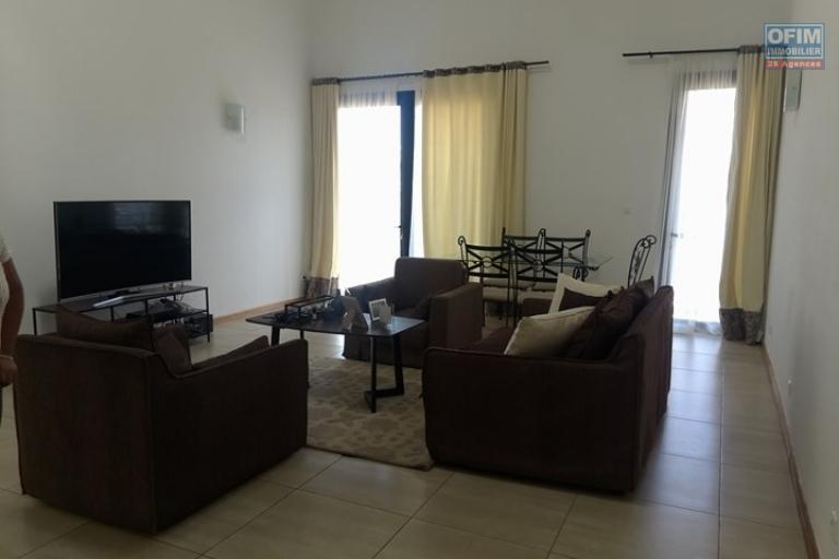 OFIM vous offre un appartement T4 meublé à Ivandry Ambodivoanjo dans une résidence sécurisée et calme - Living