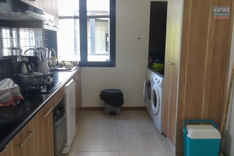 OFIM vous offre un appartement T4 meublé à Ivandry Ambodivoanjo dans une résidence sécurisée et calme - cuisine é