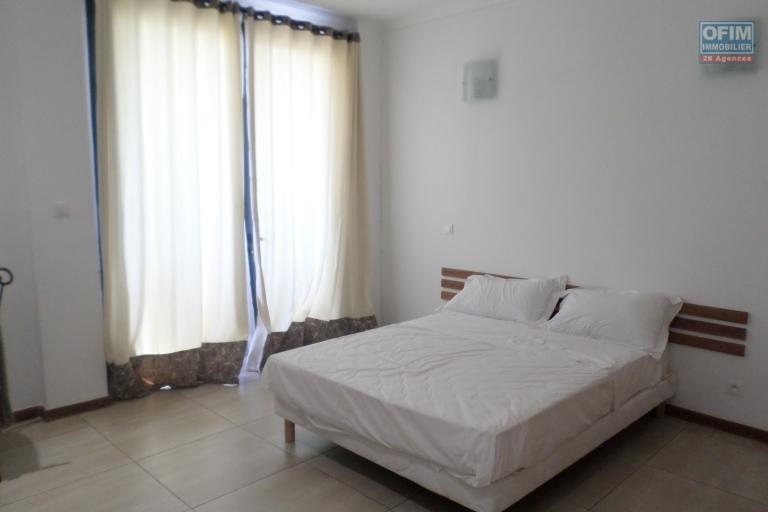 OFIM vous offre un appartement T4 meublé à Ivandry Ambodivoanjo dans une résidence sécurisée et calme - Chambre2