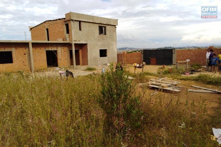 Maison à finir de finition sur une parcelle de 1000 m2