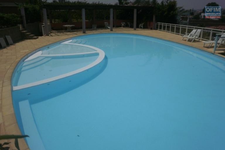Appartement T3 avec piscine à Ivandry