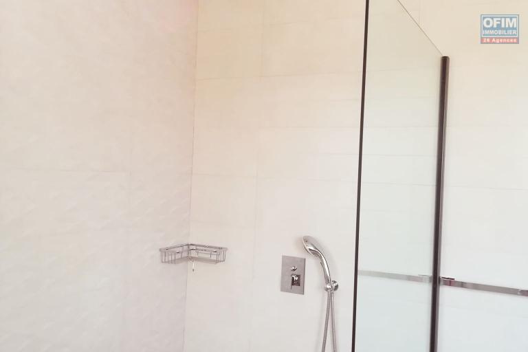 OFIM met en location des appartements T5 de standing fraîchement construits dans une résidence en quartier calme et sécurisé 24/24 avec une vue panoramique. - SDE