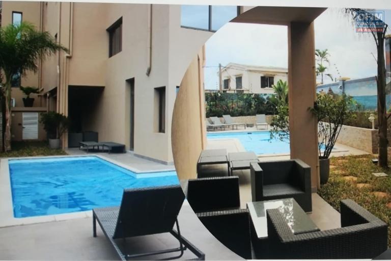 OFIM met en location des appartements T5 de standing fraîchement construits dans une résidence en quartier calme et sécurisé 24/24 avec une vue panoramique. - Piscine