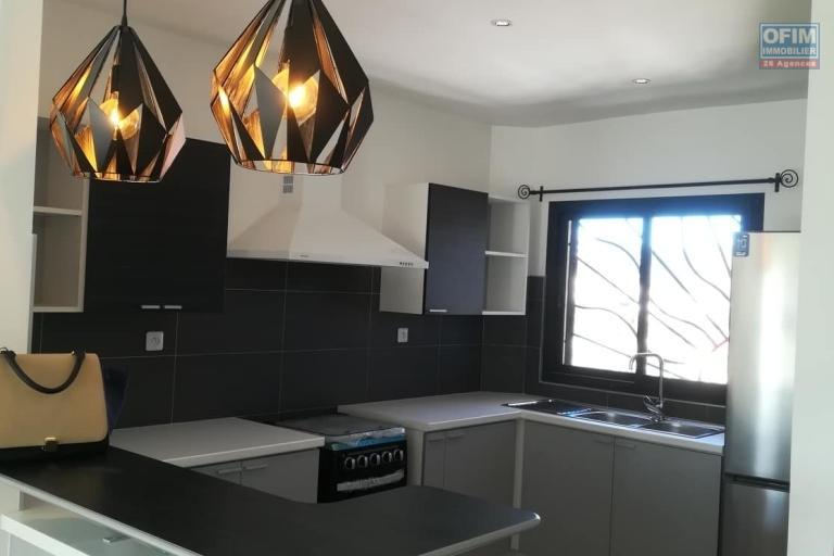 OFIM vous donne une occasion d'avoir deux appartements T4 neufs et moderne au choix dans dans un quartier bien situé, calme et sécurisé d'Ambatobe. - Cuisine 1