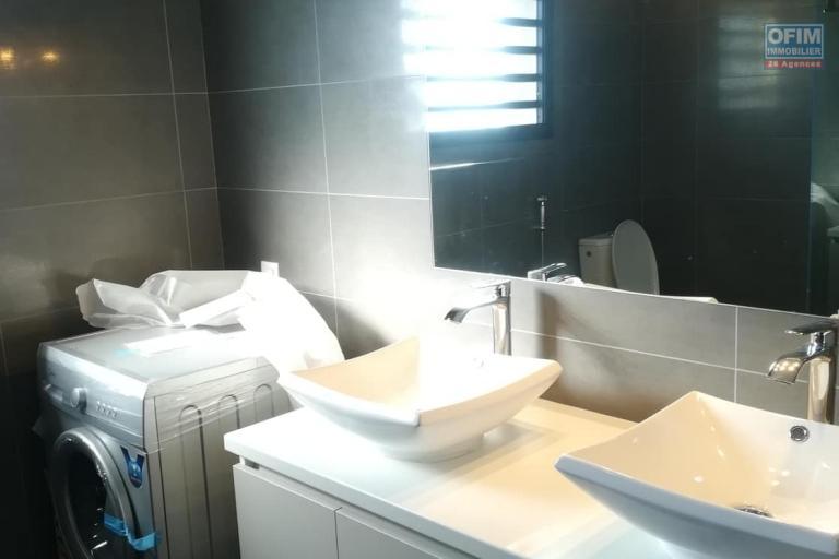 OFIM vous donne une occasion d'avoir deux appartements T4 neufs et moderne au choix dans dans un quartier bien situé, calme et sécurisé d'Ambatobe. - SDE Commune 1