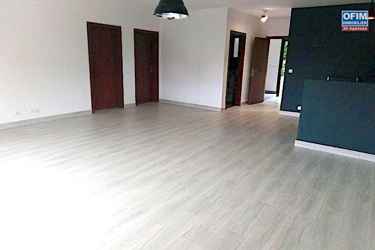A vendre appartement T4 neuve Tanjombato