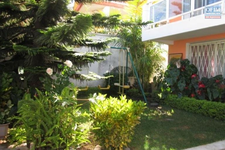 A louer une villa F8 meublée à Nanisana