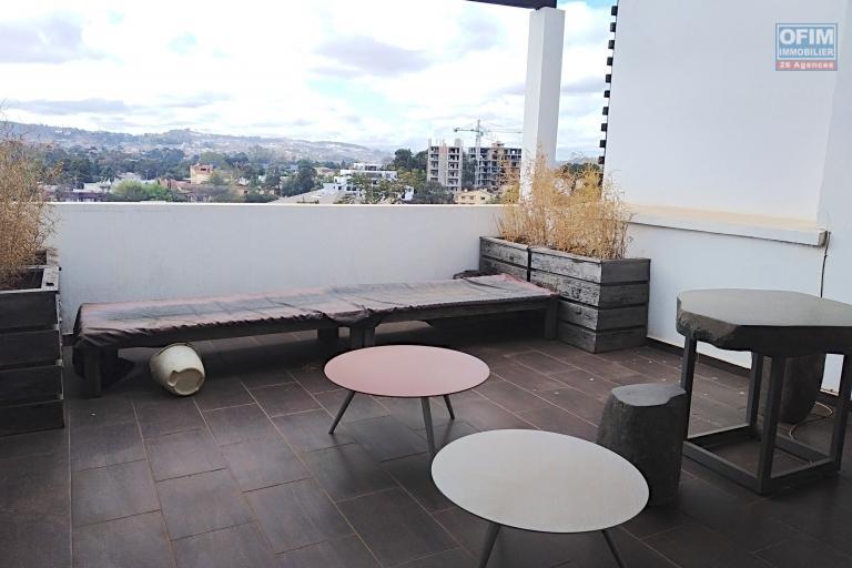 Bel appartement T4 de 150 m2 refait à neuf sur Ivandry