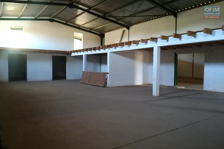 OFIM met en location 6 hangars de 350m2 et 450m2 à usage de  stockage ou industriel à Antanandrano - hangars de 450m2