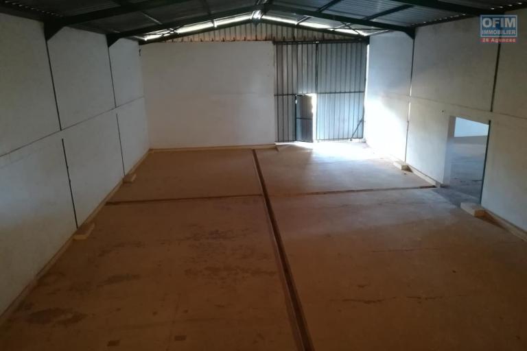 OFIM met en location 6 hangars de 350m2 et 450m2 à usage de  stockage ou industriel à Antanandrano - hangars de 350m2