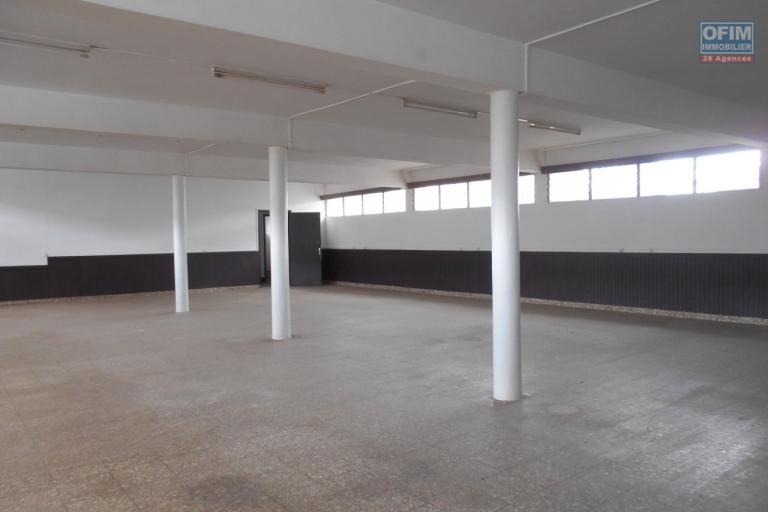 Un bâtiment à étage à usage bureau de 556m2 divisible en 2 à Ankorondrano