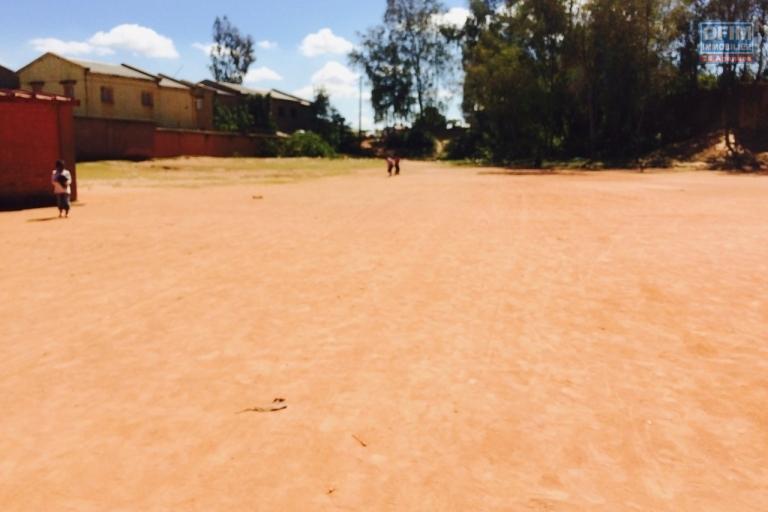 Avendre terrain de 9000 m2 environ à Ampitatafika
