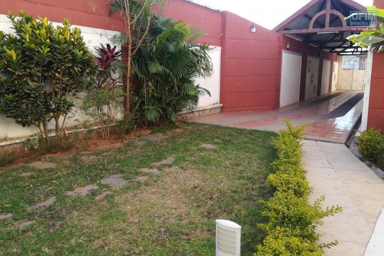 Une villa F5 dans une résidence à Tabjombato