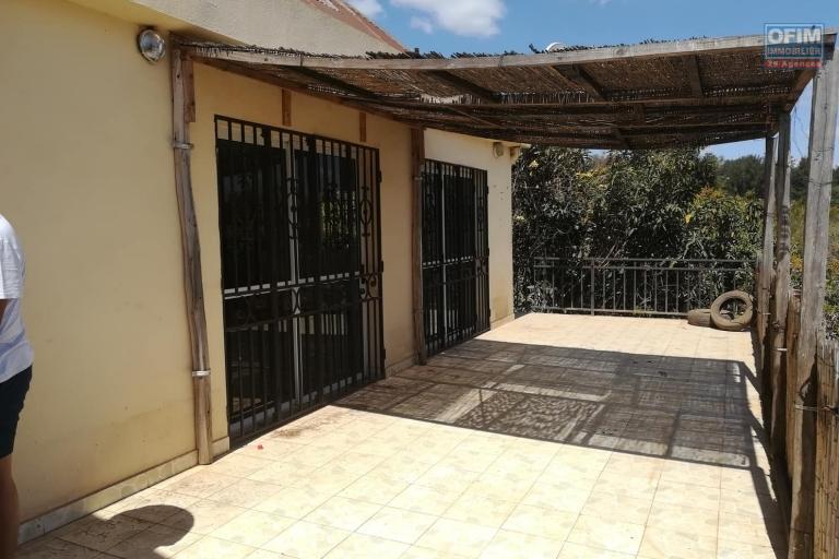 OFIM met en location un appartement de type T4 dans un quartier calme d'Ampandrianomby près du