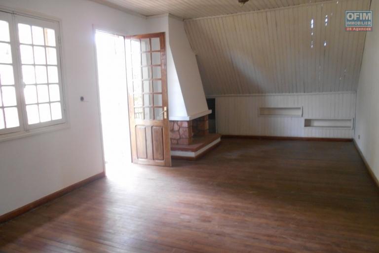 Une villa F7 à étage 0 10mn du centre ville à Ankatso
