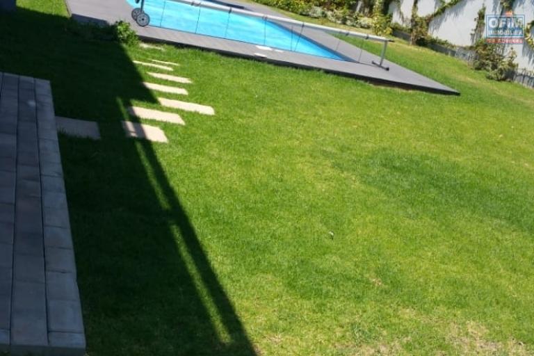 Une villa F4 neuve avec piscine à Ankorondrano