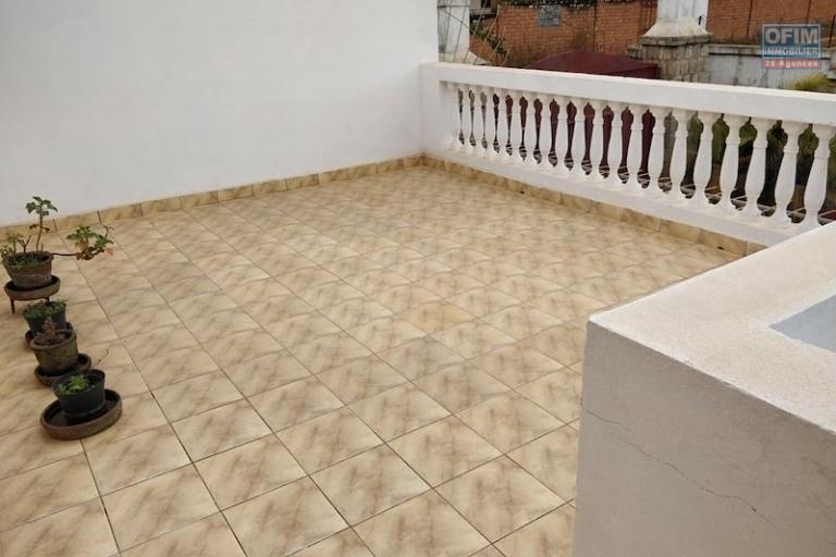 vente villa R+1 F5 sur ivato Soamanandray