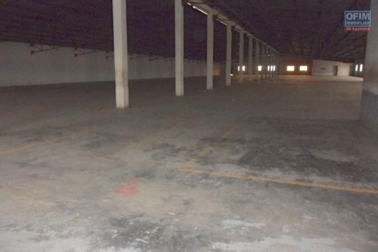 Des entrepôts à partir de 1000m2 à 3 000m2 à Ankadimbahoaka