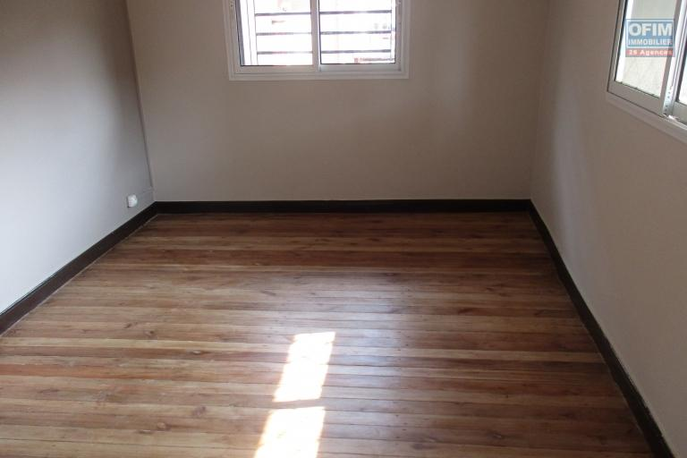appartements T4 neufs à  Ambatobe