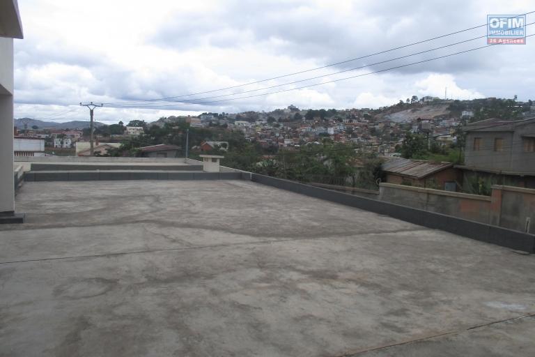 Grande villa F5 à Ambatomaro