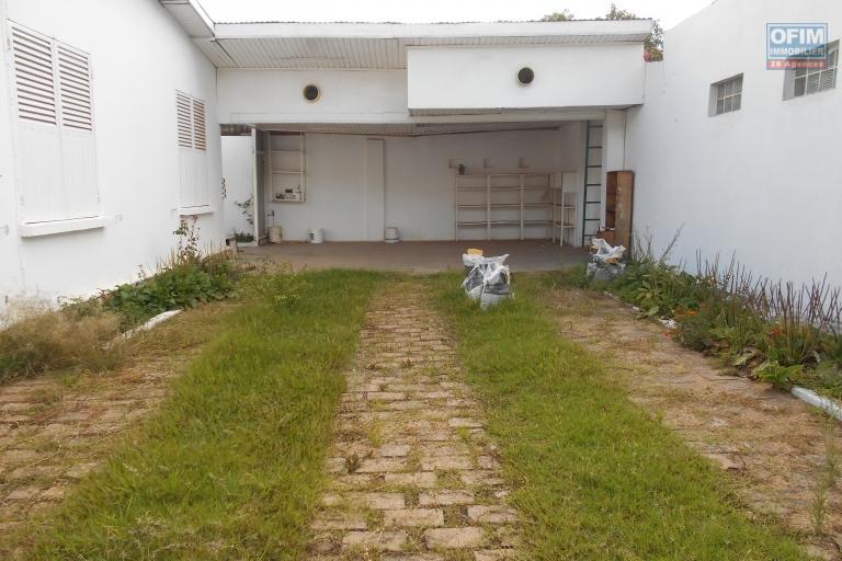 Une villa F4 sur Cité Planton
